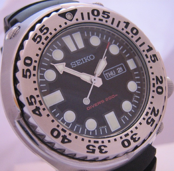 Seiko Diver Sawtooth, Black Dial With Rubber Strap
