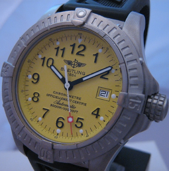 Breitling Avenger Seawolf, Yellow Dial, Rubber Strap