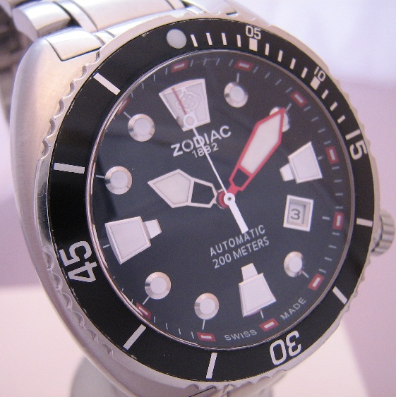 Zodiac Oceanaire, Black Dial With Steel Bracelet